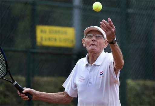 Deze afbeelding heeft een leeg alt-attribuut; de bestandsnaam is tennis-512x350.jpg